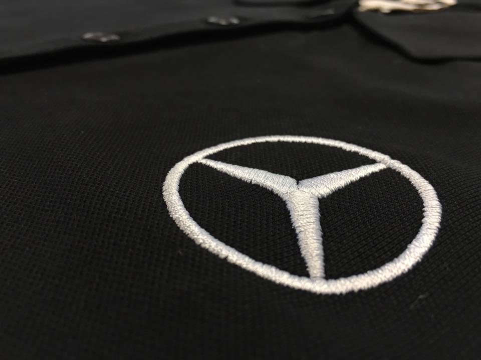 Mercedes Stern gestickt auf Polos